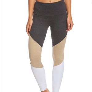 ONZIE Tracking Legging in Taupe Combo